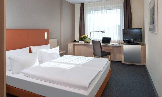 Dorint Adlershof Berlin: Guest Room