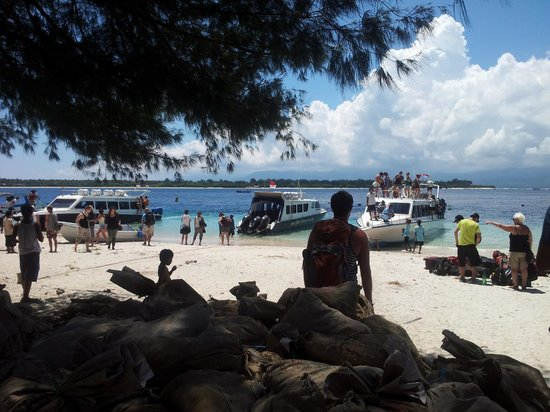 Gili Trawangan: The busy pier on Gili T