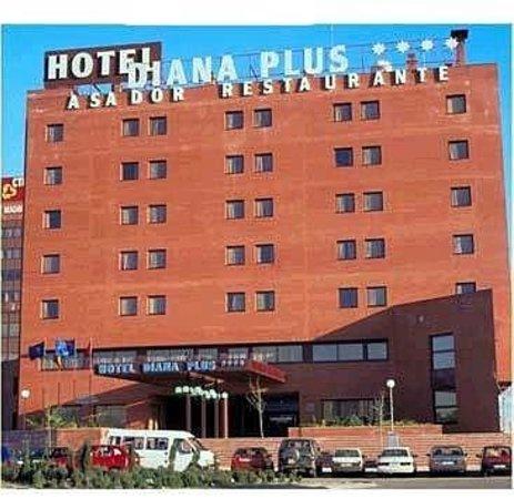 Diana Plus Hotel: Exterior