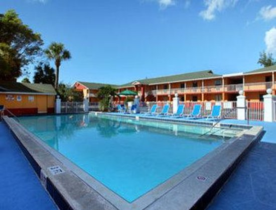 Photo of Howard Johnson Inn Fort Myers