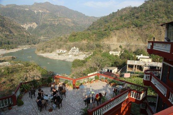 Shiva arati picture of divine ganga cottage rishikesh for Terrace jhula