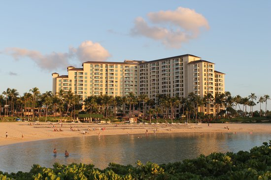 Marriott Ko Olina Beach Club View Of Resort While Walking