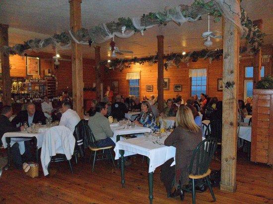 White Oak River Bistro: dinning room