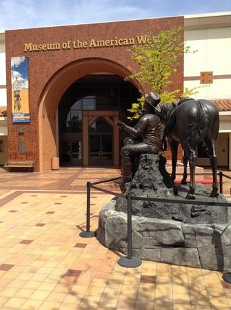 Southwest Museum: Entrance