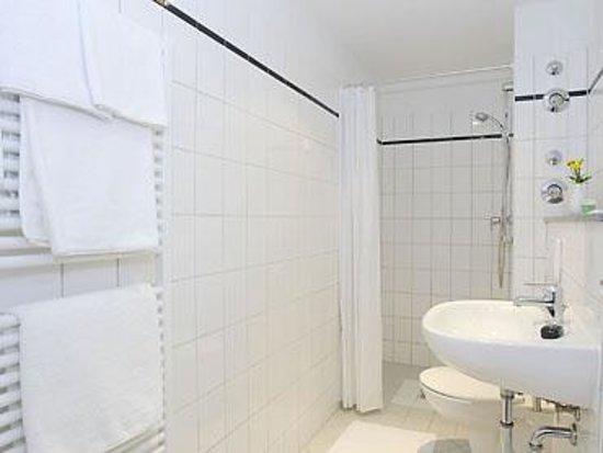 Winterfeldt 10 Apartments : 40qm Apartment-Bad