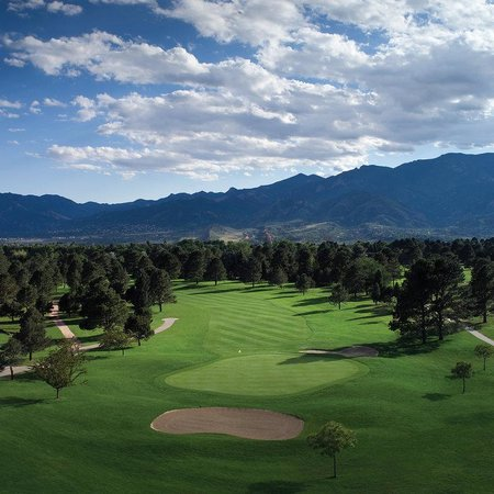Kissing Camels Golf Course - Picture of Garden of the Gods ...