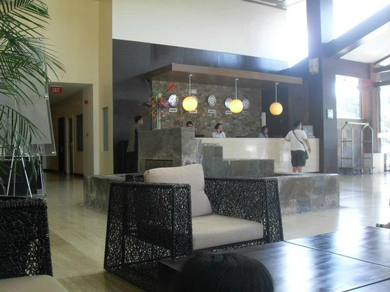 Widus Hotel and Casino: The reception area.  Cute zen-like couch!