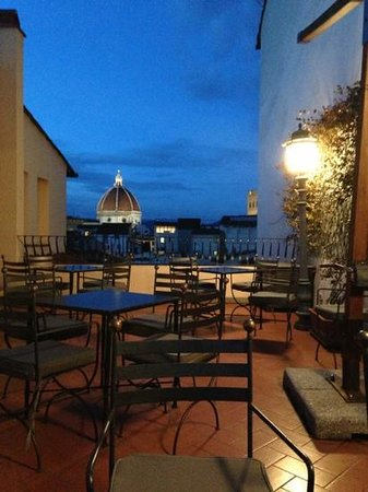 Hotel Degli Orafi: rooftop terrace bar