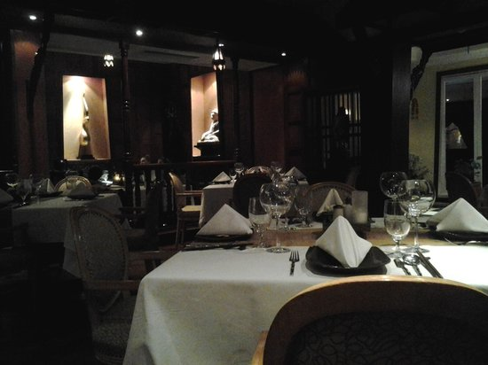 Thai Chi Restaurant - The Stanley Hotel: The ambiance