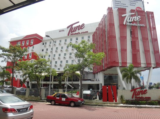 Tune Hotel Danga Bay: tune hotel