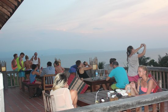 Thongyang Seaview Restaurant and Lounge Bar: Chillax in a cozy and friendly atmosphere