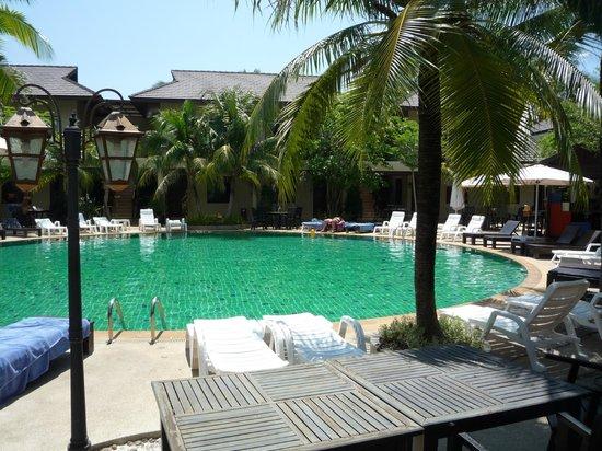 ปิลันธา สปา รีสอร์ท: Hotel pool.
