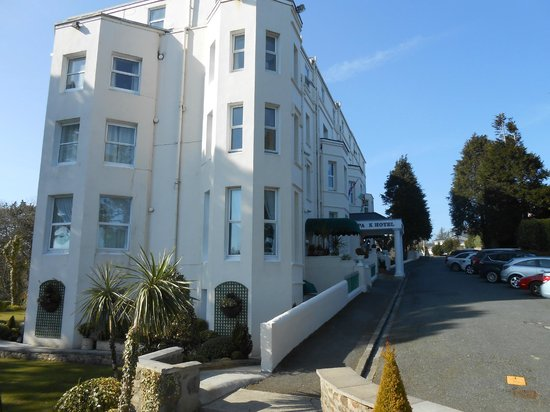 The Park Hotel Tenby: View of hotel from the grounds