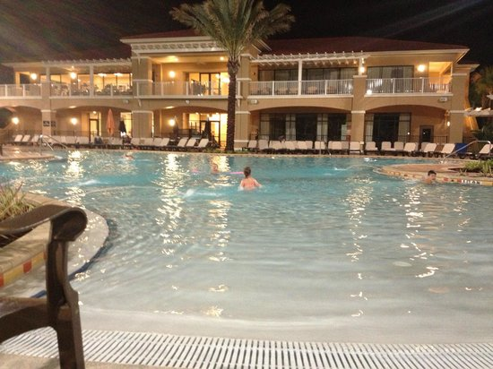 Fantasy World Club Villas: Beautiful evening at the pool