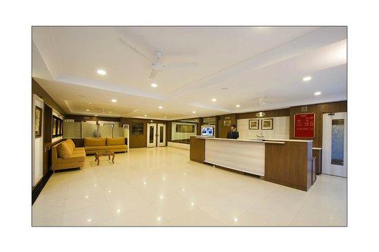 Hotel Prateek: RECEPTION AREA