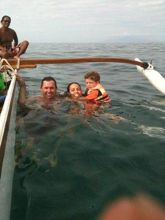 Maui Paddler Hawaiian Outrigger Experience: Quick Dip