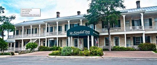 Ye Kendall Inn: Exterior