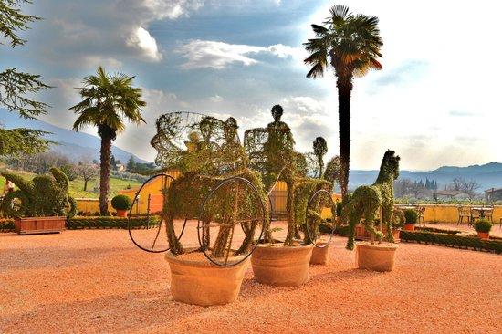 Villa Cariola: piazzale d'ingresso