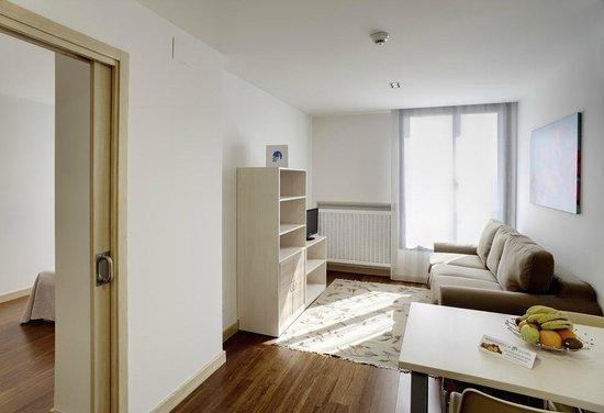 Ovida Aparthotel: Salón