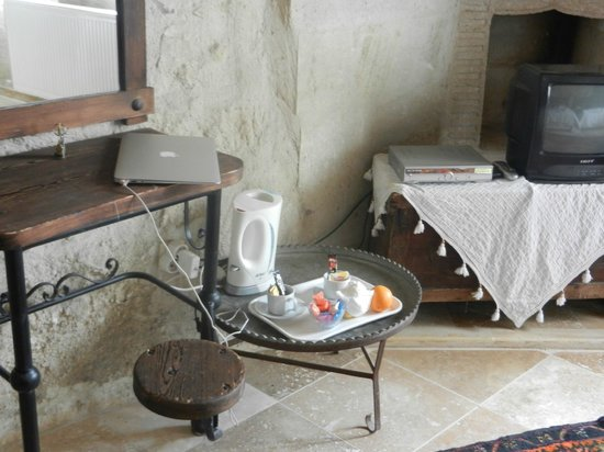 Dervish Cave House: Free wi-fi in a cave!