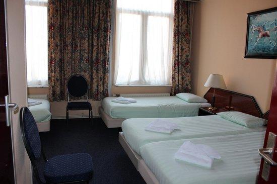 Atlas Hotel Valkenburg: room