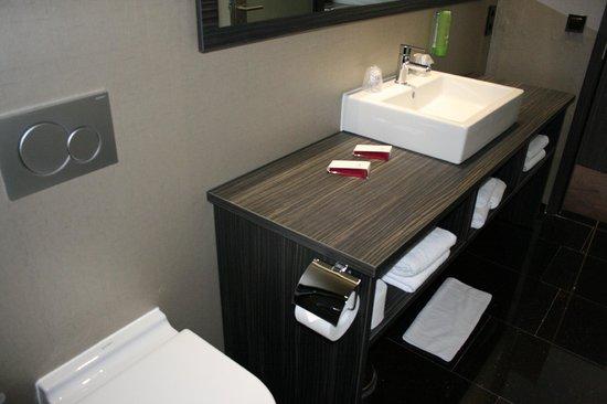 Centro Hotel Ayun : Super bathroom Ayun Keulen