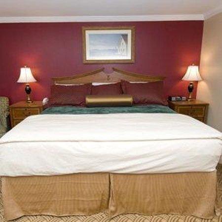 Inn at Swan River: King Bedroom