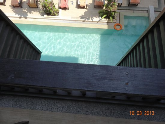 Aree Tara Resort: Pool from our 2nd floor balcony