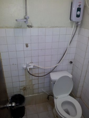 Cebu Guesthouse: Bathroom / Restroom