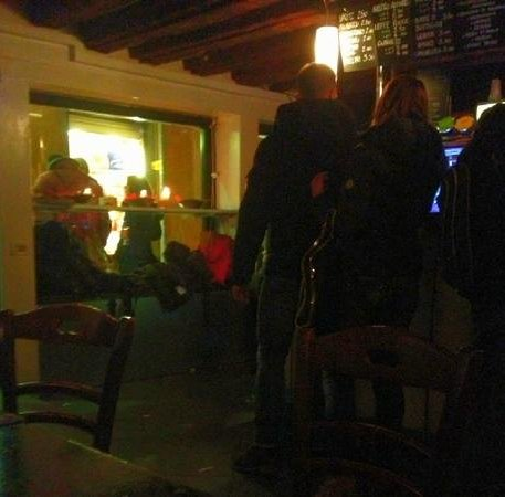 Cafe Noir: it was packed..nice atmosphere when you go during appertivo :) and you can see some of the cheap