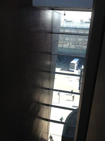 Radisson Blu Hotel, Glasgow: view from glass lift