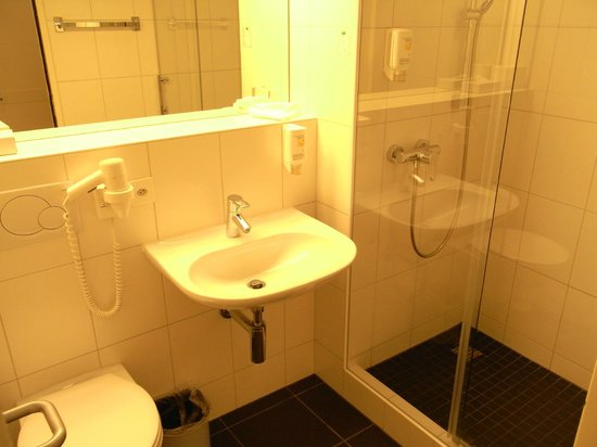 Sorell Hotel Sonnental: Bad mit Dusche