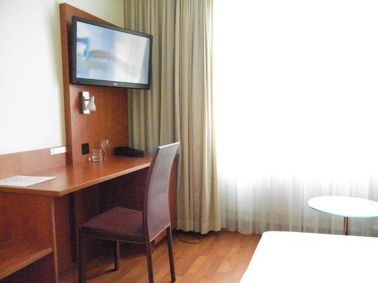 Sorell Hotel Sonnental: Minibar, TV, etc.