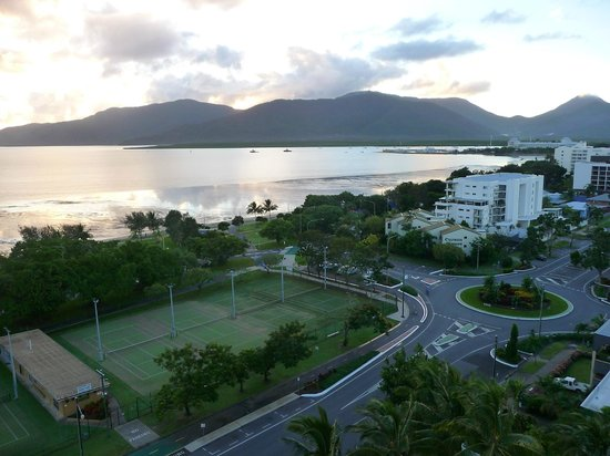 Rydges Esplanade Resort Cairns: The Esplanade