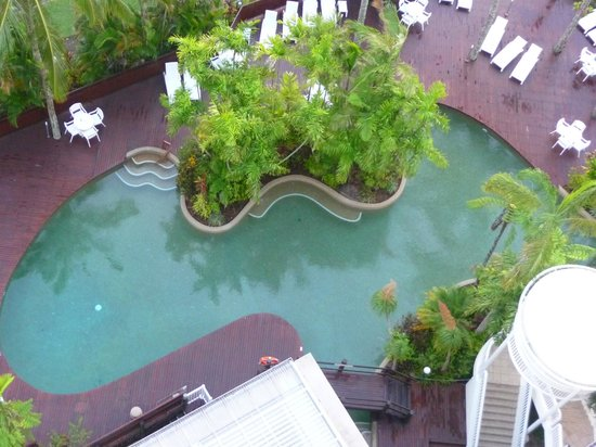 Rydges Esplanade Resort Cairns: The pool below