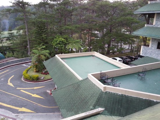 Baguio Country Club: balcony view