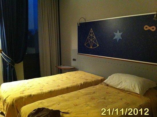 Cosmo Hotel Torri: Twin Room