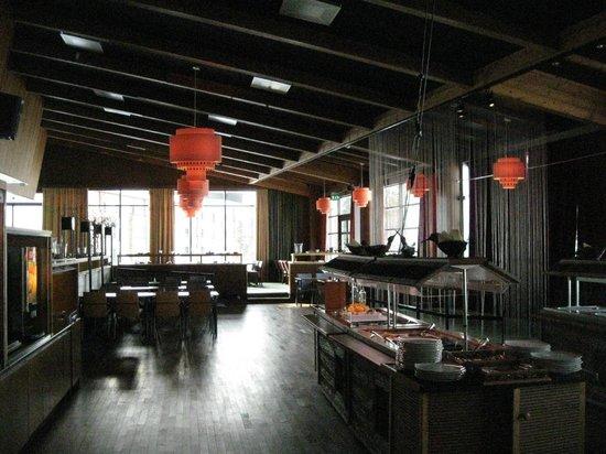 Lapland Hotel Saaga: Dining room at Yllas Saaga hotel - 70s style!