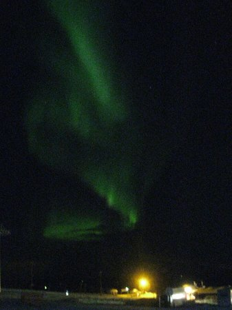 Lapland Hotel Saaga: Northern Lights near the hotel (taken with a very cheap camera!)