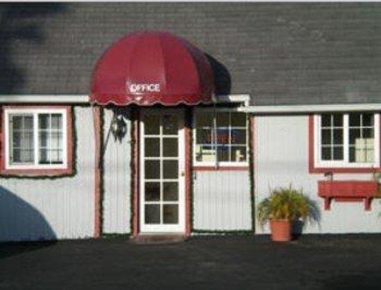 Estero Bay Motel: AOEBMC