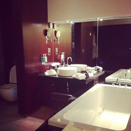 Maryborough Hotel & Spa: room
