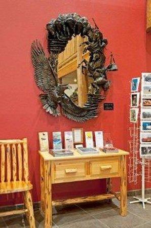 Cody Legacy Inn: Sculpture V