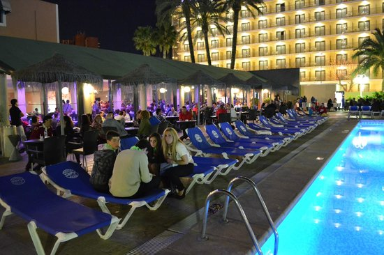 The Hotel By Night Picture Of Servigroup Pueblo Benidorm Benidorm