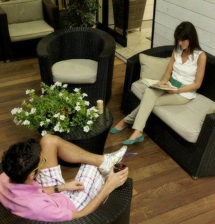 Hotel Hawaii Riccione: Patio