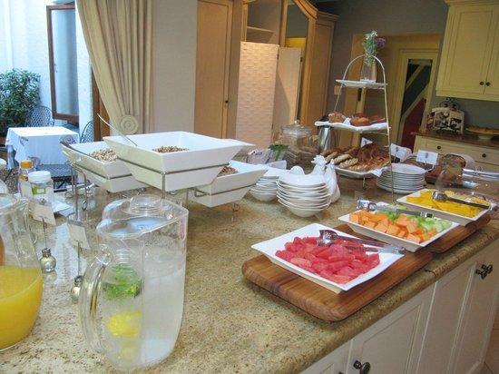 Fernwood Manor: Breakfast