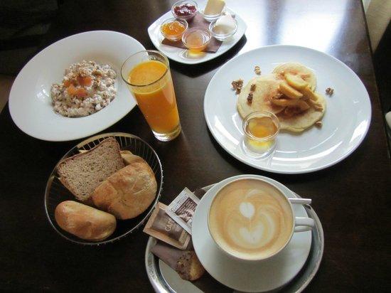 Hunger Wall Residence: Un délicieux petit-déjeuner!