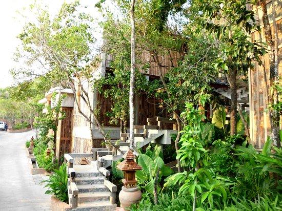 Santhiya Koh Yao Yai Resort & Spa: Aussenansicht der Villa