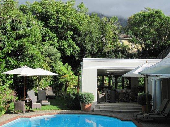 Fernwood Manor: The garden