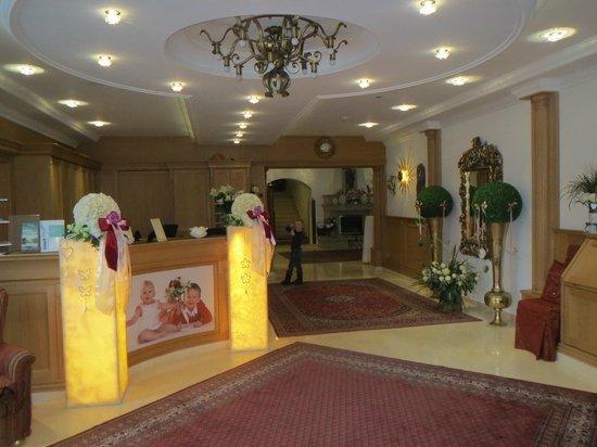 Gartenhotel Maria Theresia: Foyer