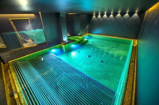 Hotel Stella: la nostra vasca idromassaggio con giochi d'acqua